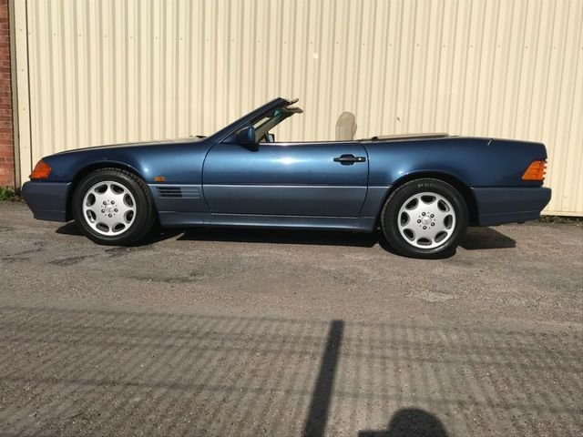 1993 Mercedes Benz SL 320 For Sale (picture 2 of 6)