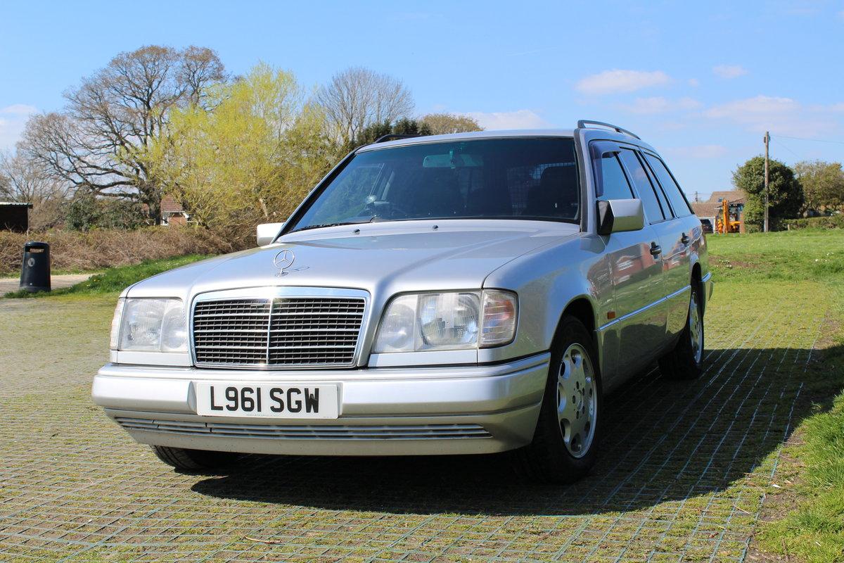 1994 W124 E320  Estate £8000 For Sale (picture 1 of 6)