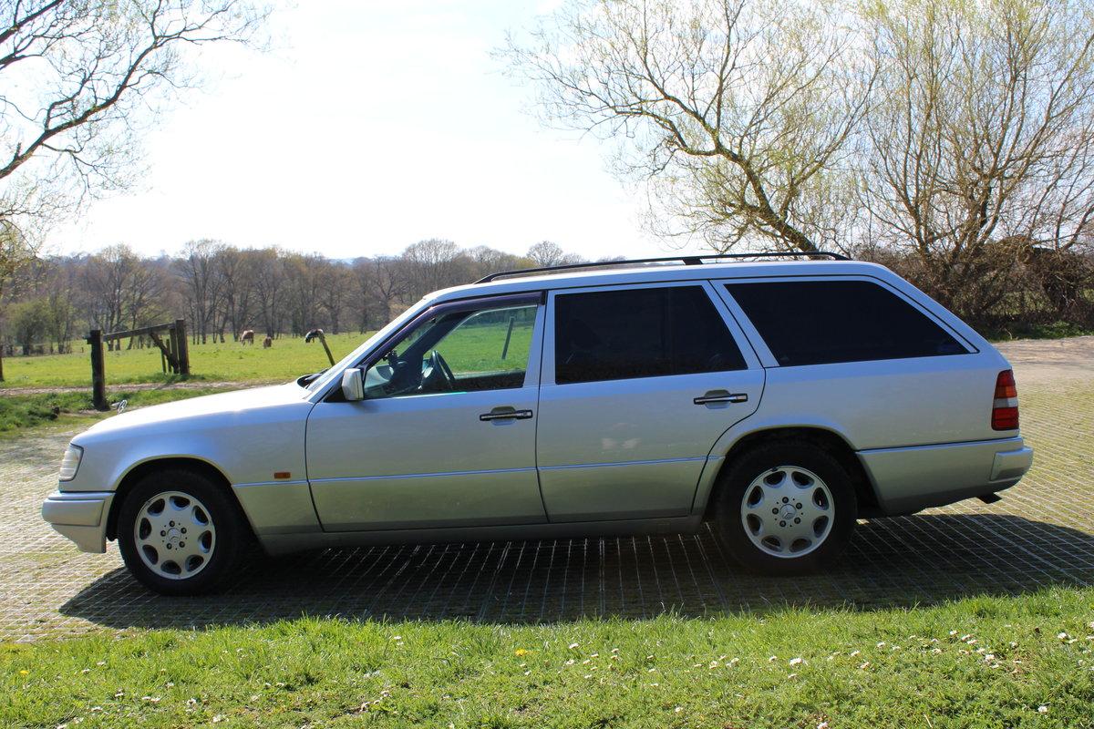 1994 W124 E320  Estate £8000 For Sale (picture 2 of 6)