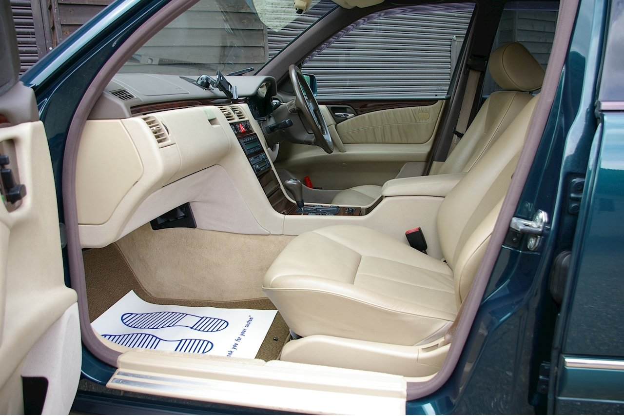 1997 Mercedes W210 E230 Elegance Estate 7 Auto (32,856 miles)  SOLD (picture 4 of 6)
