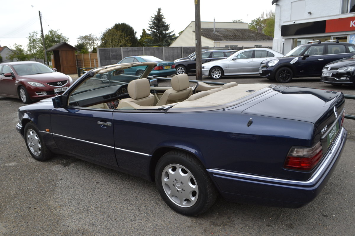 1996 Mercedes E220 Cabriolet – 4 seater For Sale (picture 2 of 12)