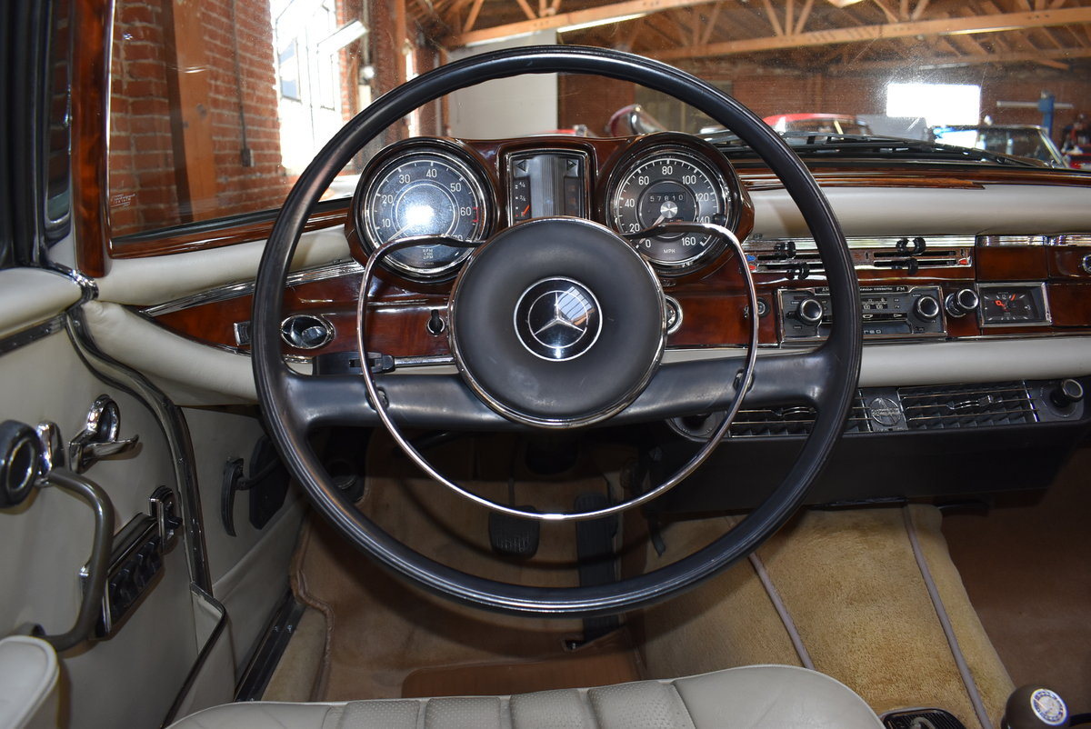 1967 Mercedes-Benz 250SE Cabriolet  For Sale (picture 4 of 6)