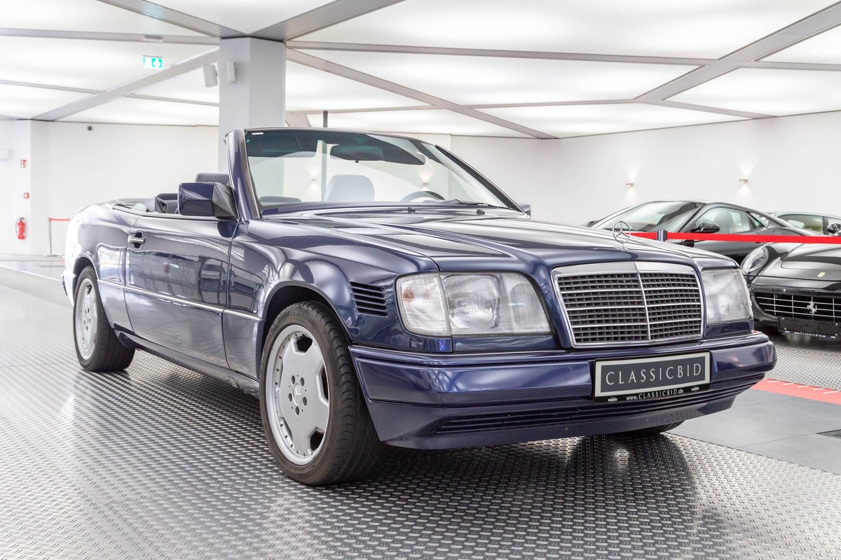 1995 Mercedes-Benz E 220 convertible LHD For Sale (picture 1 of 6)