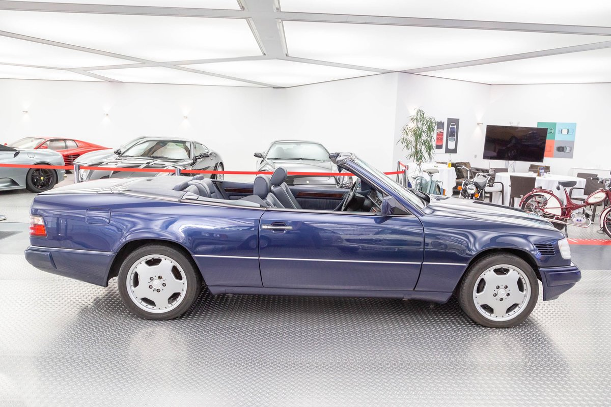 1995 Mercedes-Benz E 220 convertible LHD For Sale (picture 2 of 6)