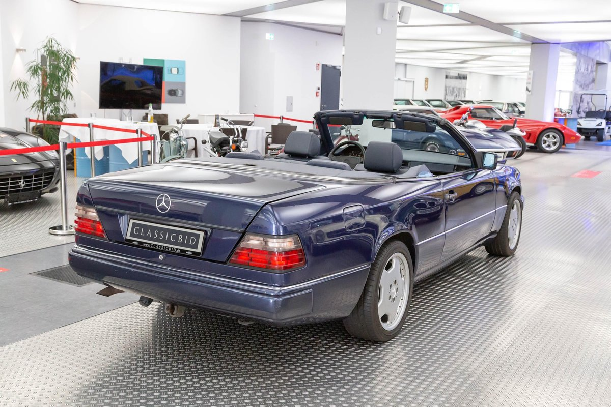 1995 Mercedes-Benz E 220 convertible LHD For Sale (picture 3 of 6)