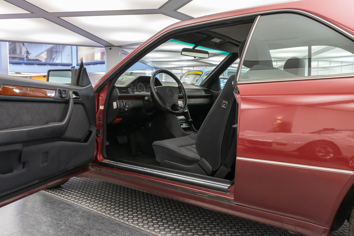 1994 Mercedes-Benz 220 CE LHD  For Sale (picture 5 of 6)