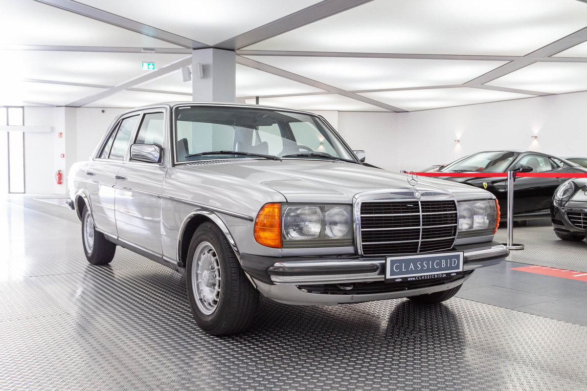 1976 1977 Mercedes-Benz 280 LHD  For Sale (picture 1 of 6)
