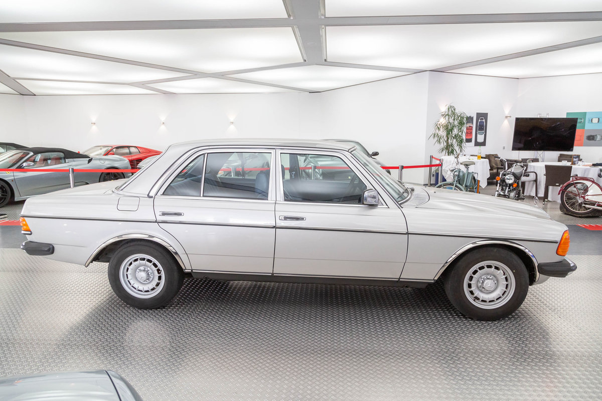 1976 1977 Mercedes-Benz 280 LHD  For Sale (picture 2 of 6)