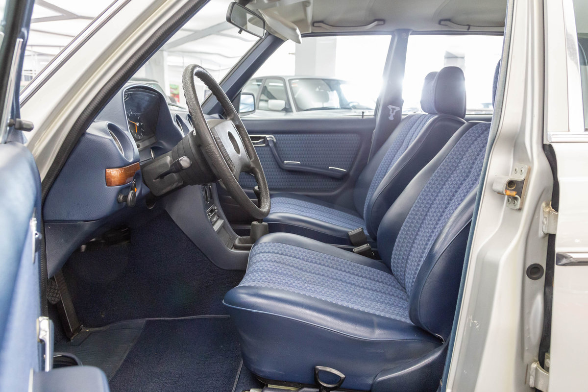 1976 1977 Mercedes-Benz 280 LHD  For Sale (picture 5 of 6)