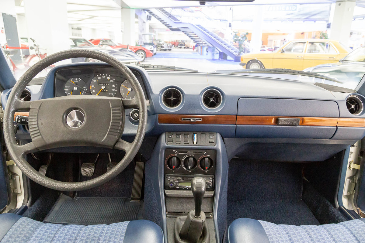 1976 1977 Mercedes-Benz 280 LHD  For Sale (picture 6 of 6)
