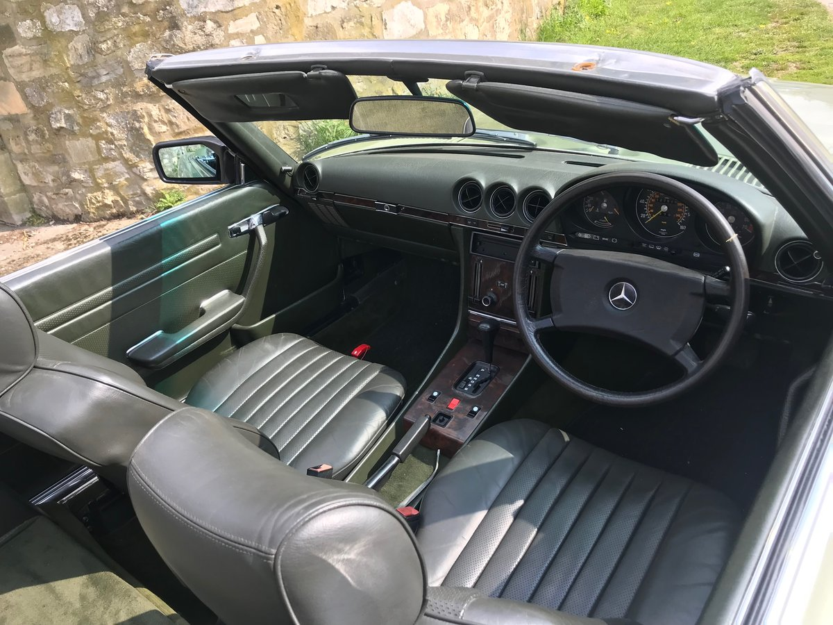 1986 Mercedes R107 SL300 For Sale (picture 5 of 6)