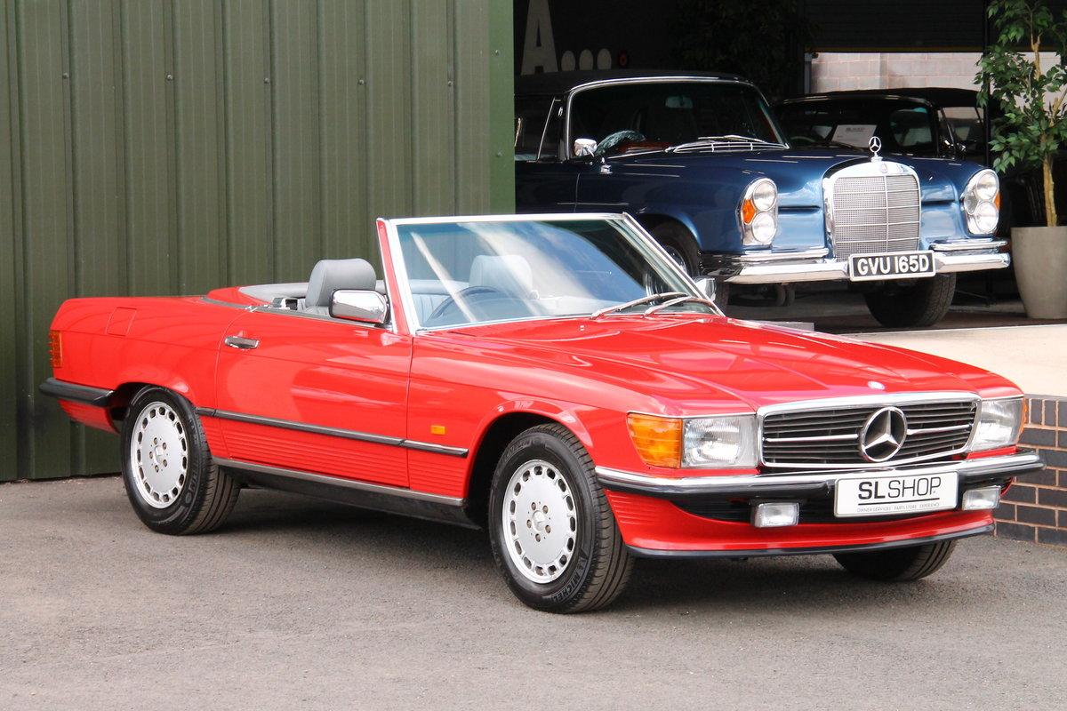 1988 Mercedes-Benz 300SL (R107) Just 35,649 Miles #2076 For Sale (picture 1 of 6)