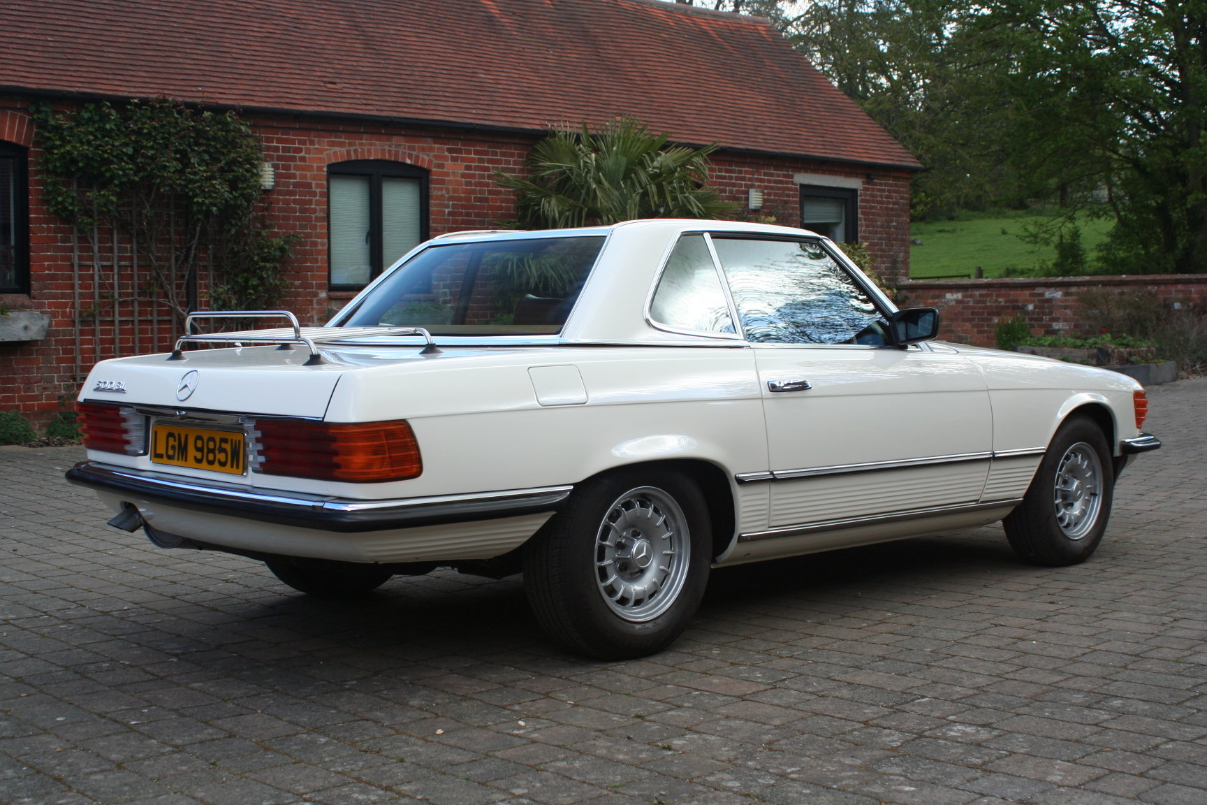 Mercedes-Benz 1981 R107 500SL Fully Restored For Sale (picture 3 of 6)