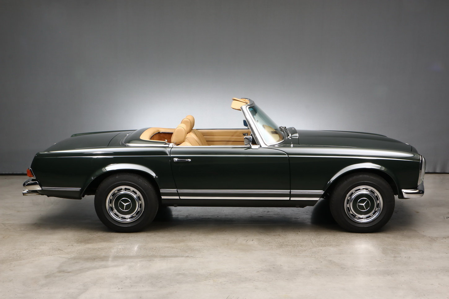 1971 Mercedes-Benz 280 SL Roadster For Sale (picture 2 of 6)