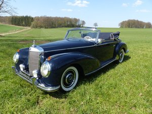 1952 A rare convertible in a beautiful colourway For Sale