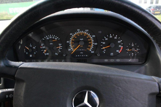 1990 Mercedes 300 SL-24 Auto at Morris Leslie Auction 25th May SOLD by Auction (picture 4 of 6)
