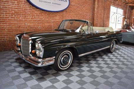 1967 Mercedes 250SE Convertible = Green(~)Tan $109.5k For Sale (picture 1 of 6)