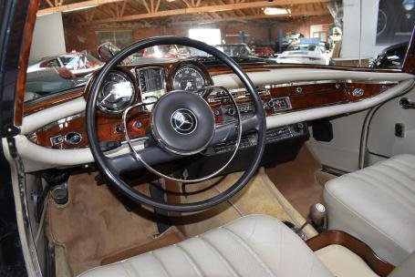 1967 Mercedes 250SE Convertible = Green(~)Tan $109.5k For Sale (picture 4 of 6)