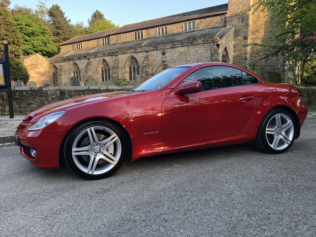 2010 MERCEDES-BENZ SLK 200, ONLY 10700 MILES FROM NEW. For Sale (picture 1 of 6)