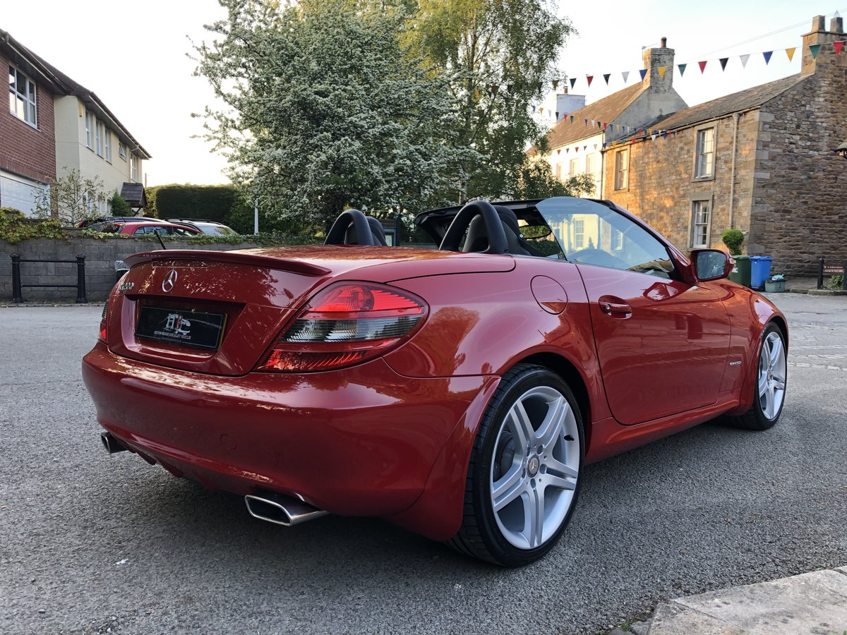 2010 MERCEDES-BENZ SLK 200, ONLY 10700 MILES FROM NEW. For Sale (picture 3 of 6)