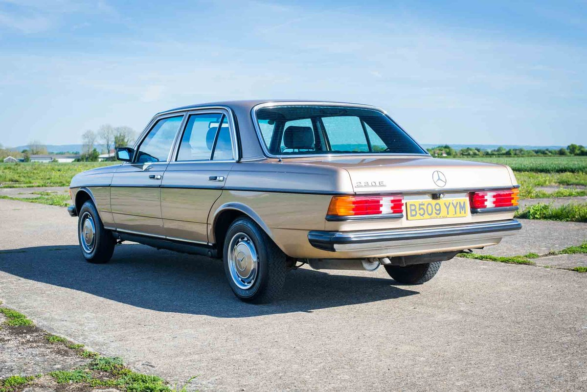 1985 Mercedes-Benz W123 230E - 35K Miles - Timewarp Condition For Sale (picture 3 of 6)
