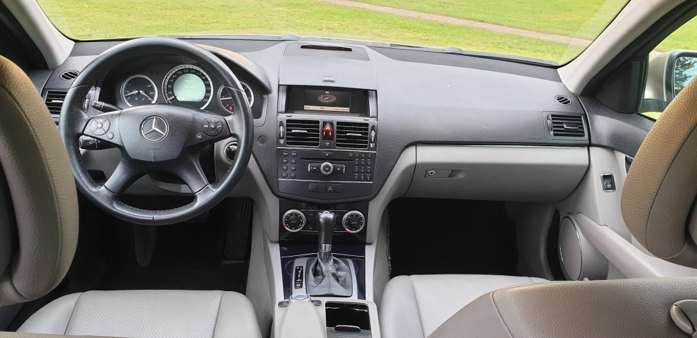 2008 LHD  MERCEDES C200 AUTOMATIC CDI ESTATE LEFT HAND DRIVE For Sale (picture 4 of 6)