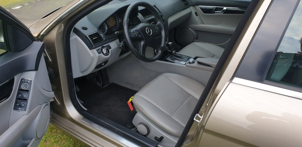 2008 LHD  MERCEDES C200 AUTOMATIC CDI ESTATE LEFT HAND DRIVE For Sale (picture 5 of 6)