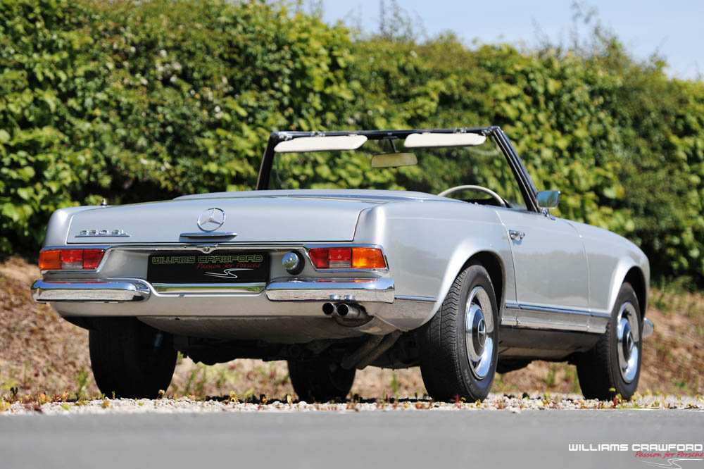 1967 Mercedes Benz 250 SL 'Pagoda' manual For Sale (picture 3 of 6)