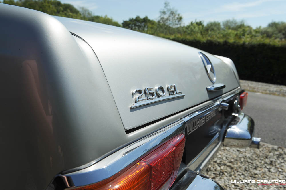 1967 Mercedes Benz 250 SL 'Pagoda' manual For Sale (picture 4 of 6)