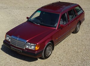 Mercedes Benz Estate W124 – One Driver/FSH