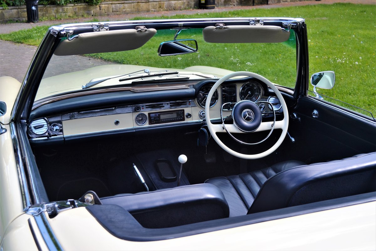 1964 W113 Mercedes-Benz 230 SL Pagoda RHD Manual  For Sale (picture 3 of 6)