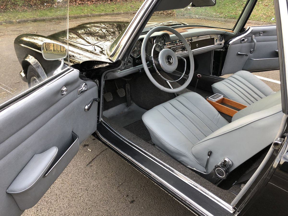 1965 Mercedes Benz 230SL Pagoda 4 speed manual For Sale (picture 5 of 6)