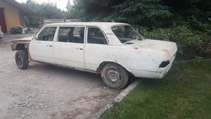 1977 Mercedes W123 250 LWB restoration project  For Sale