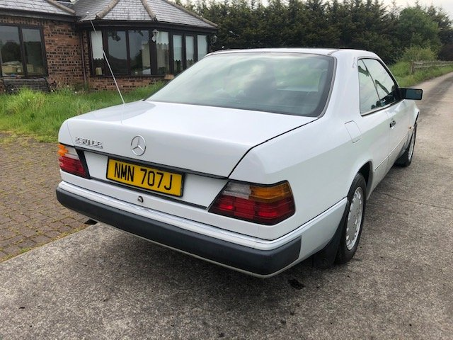 1990 Beautiful Mercedes W124 E230 Coupe Manual For Sale (picture 4 of 6)