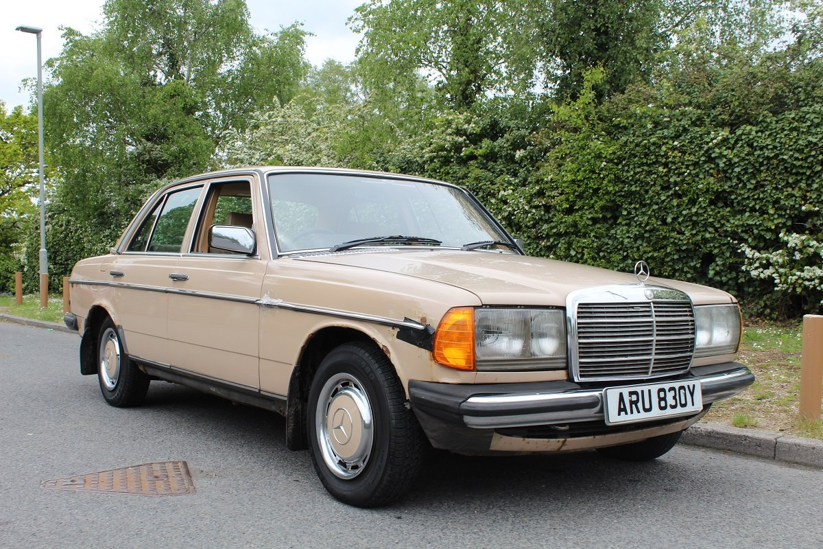 Mercedes 200 Auto 1982 - To be auctioned 26-07-19 For Sale by Auction (picture 1 of 6)
