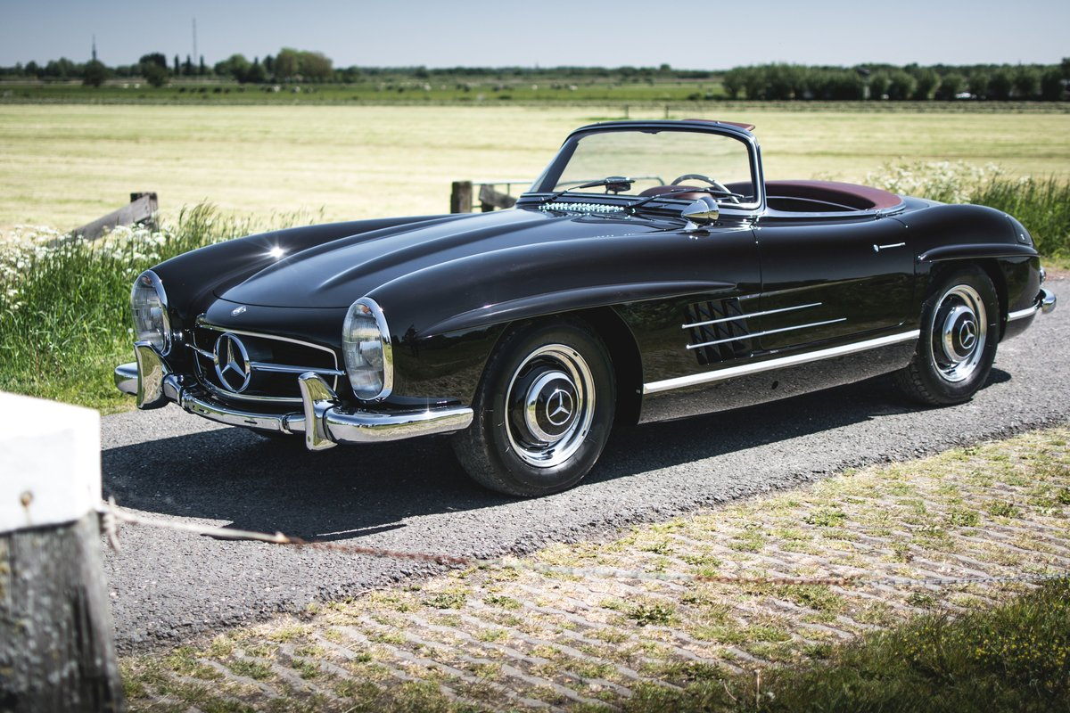1957 Mercedes-Benz 300 SL Roadster For Sale by Auction (picture 2 of 5)
