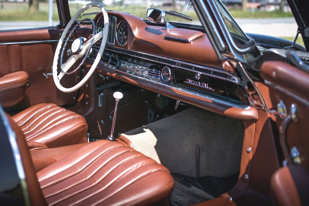 1957 Mercedes-Benz 300 SL Roadster For Sale by Auction (picture 4 of 5)