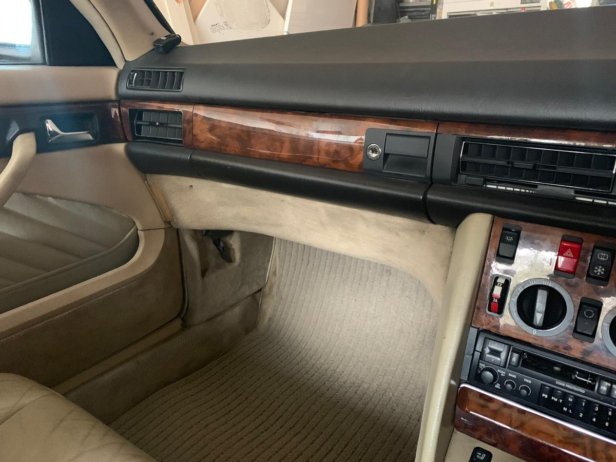 1991 Mercedes Benz 420 SEC 1 owner 'carat duchalet For Sale (picture 5 of 6)