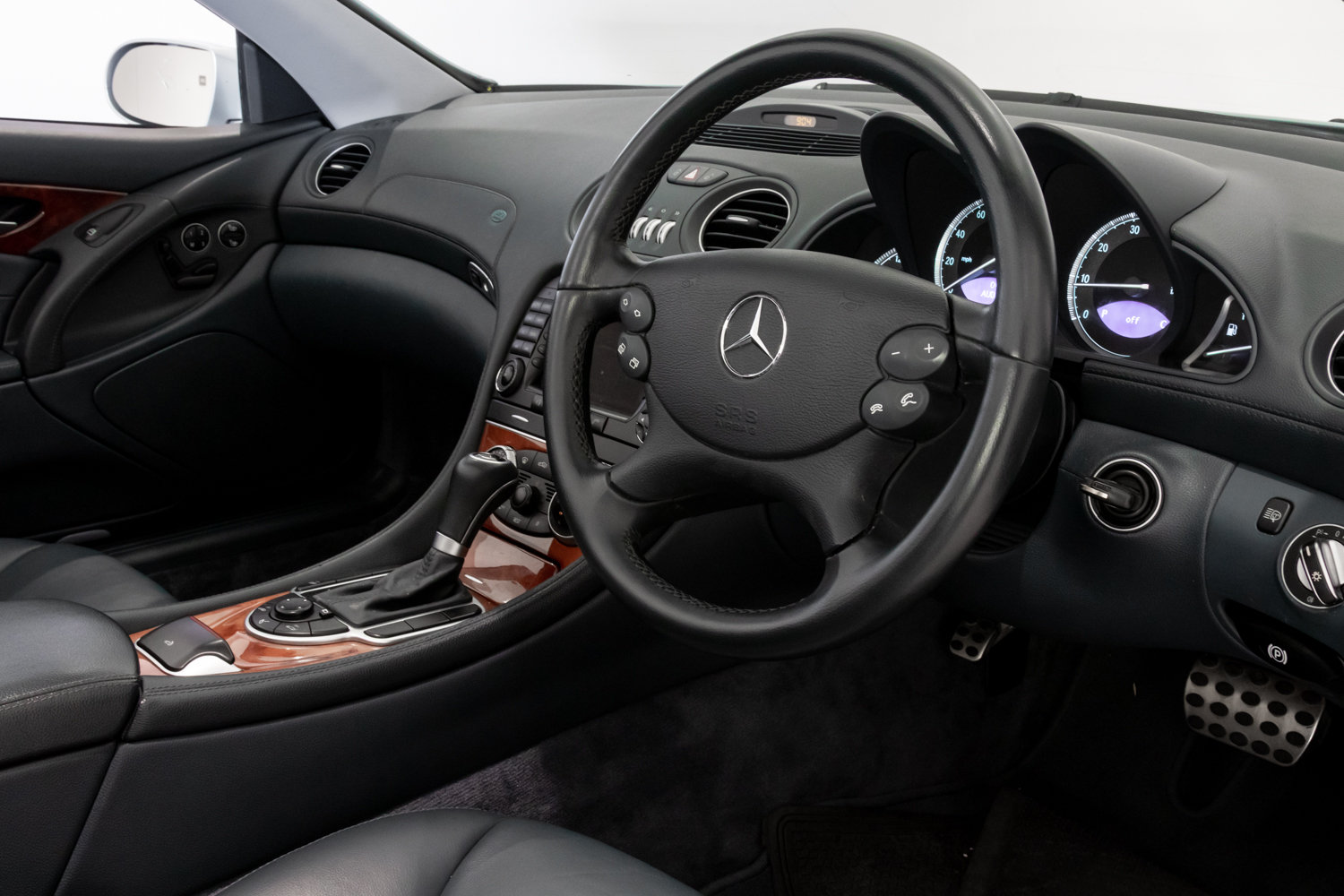 2004 Navigation - AMG Alloys - Heated Seats For Sale (picture 6 of 6)