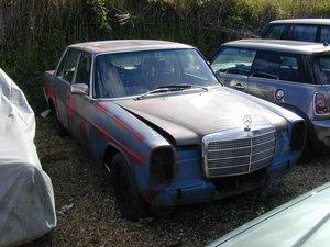 1976 MERCEDES W114 230/4 RHD UK CAR - PROJECT - BE QUICK!!