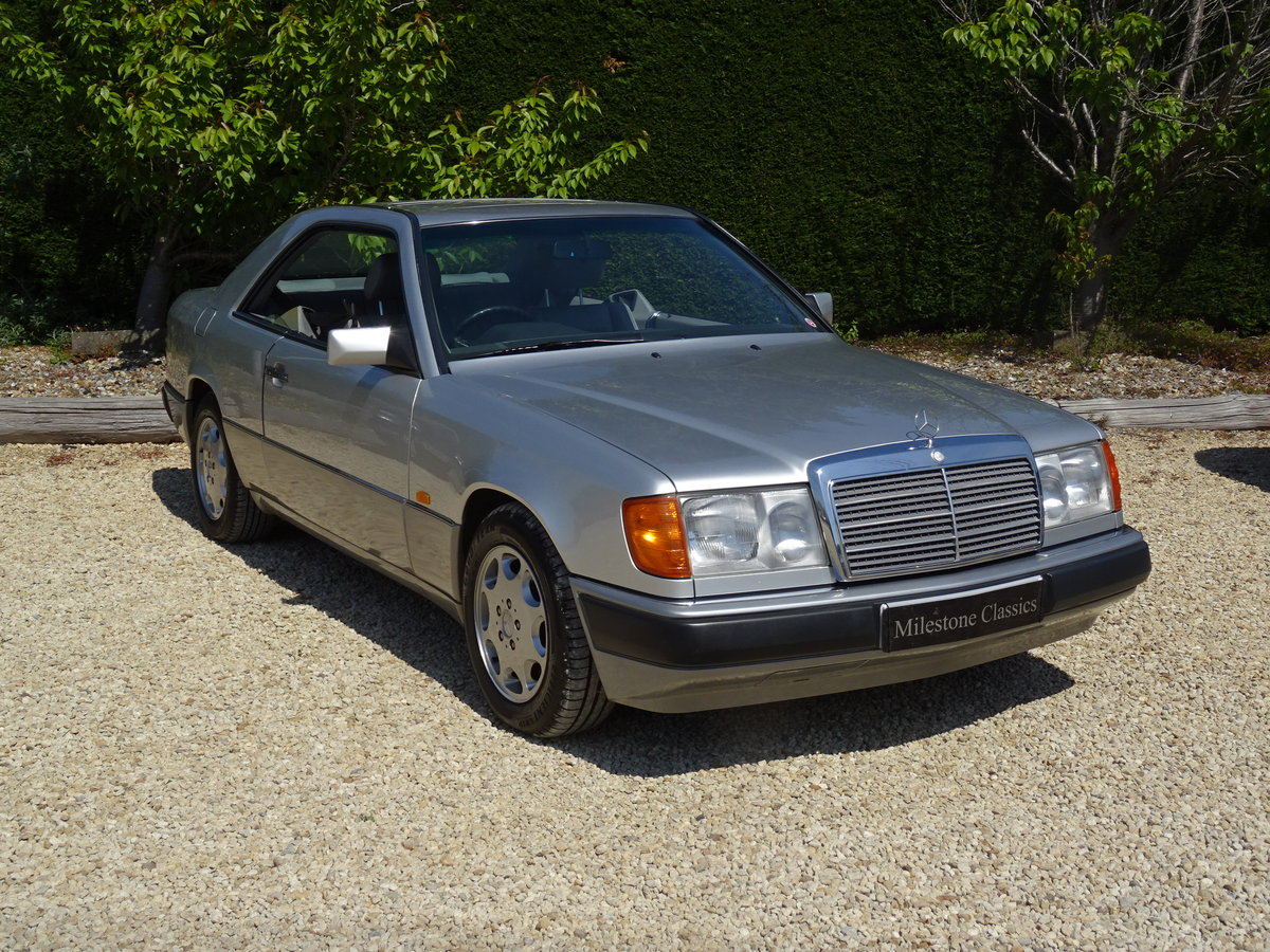 Mercedes Benz W124 CE230 Coupe – Stunning Car For Sale (picture 2 of 6)