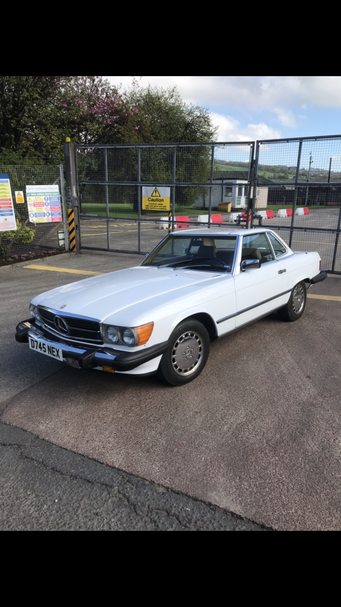1987 Mercedes 560 SL WITH 87k miles For Sale (picture 5 of 6)