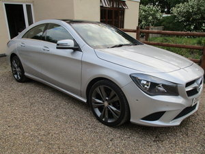 2013 CLA 180 PETROL ECO 6 SPEED MANAL PRETTY MERCEDES-BENZ For Sale