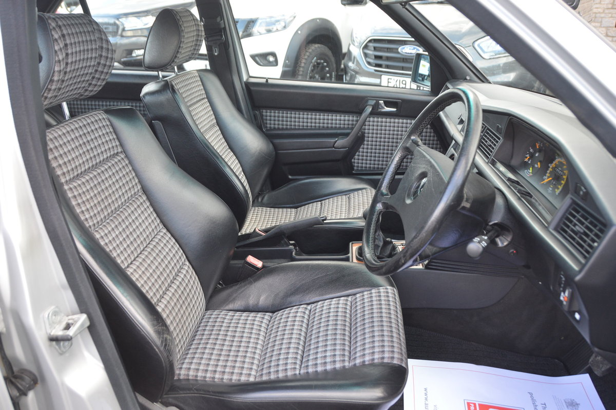 1989 Mercedes 190e 2.5-16 cosworth rhd manual For Sale (picture 3 of 6)