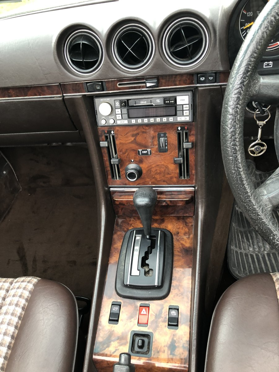 1985 Mercedes SL Very low miles full service For Sale (picture 3 of 6)