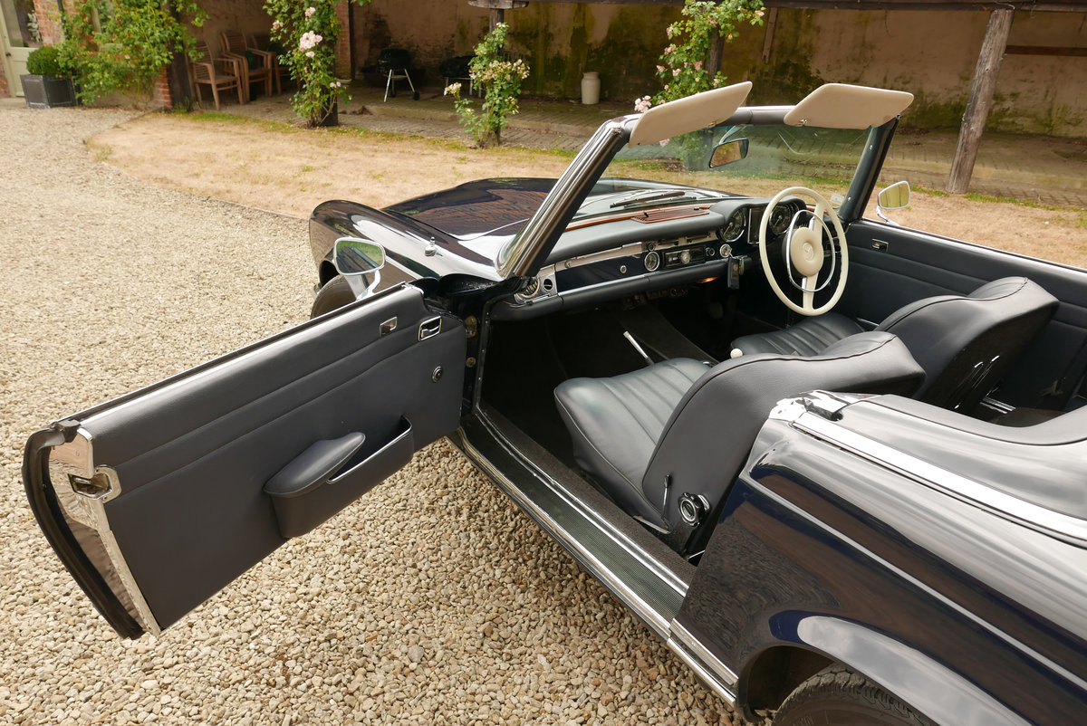 1968 Mercedes 280 SL Arrive in Style! SOLD (picture 4 of 6)