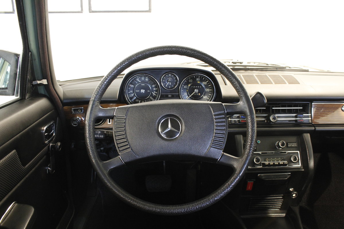 1974 Mercedes 280 / 8 Automatic - as new  For Sale (picture 3 of 6)
