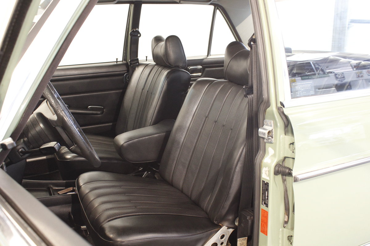 1974 Mercedes 280 / 8 Automatic - as new  For Sale (picture 4 of 6)