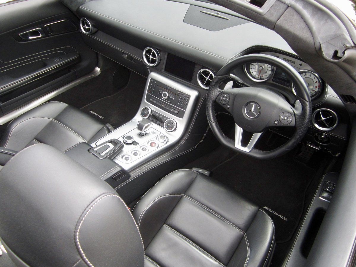 20121 Mercedes SLS AMG Roadster For Sale (picture 6 of 6)