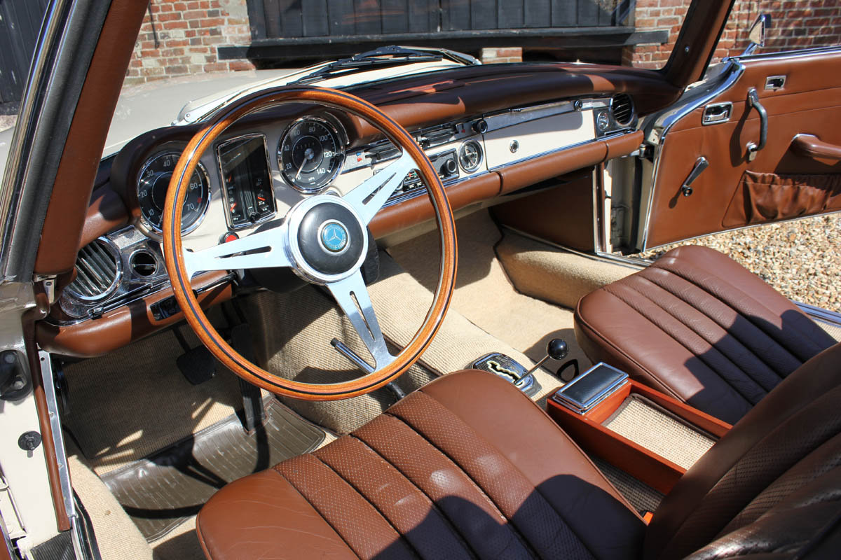 1970 Mercedes Pagoda 280SL Automatic  For Sale (picture 3 of 5)